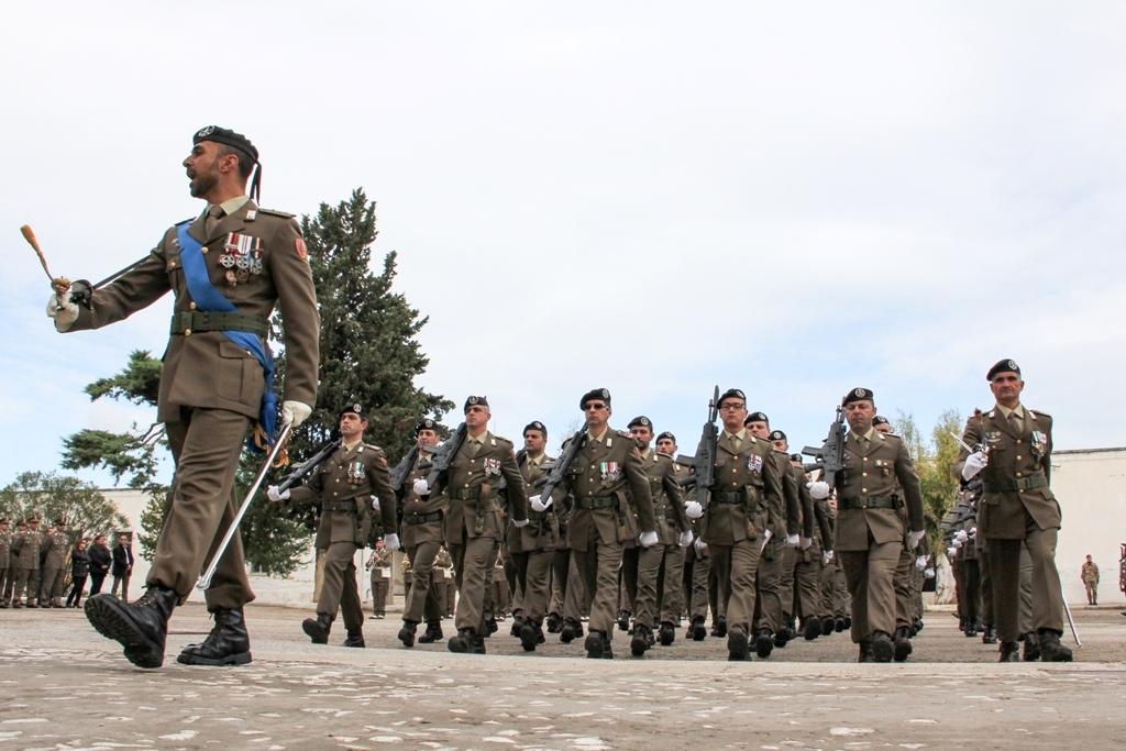 Dearmas articolo esercito il 9 reggimento fanteria for Bandiera di guerra italiana